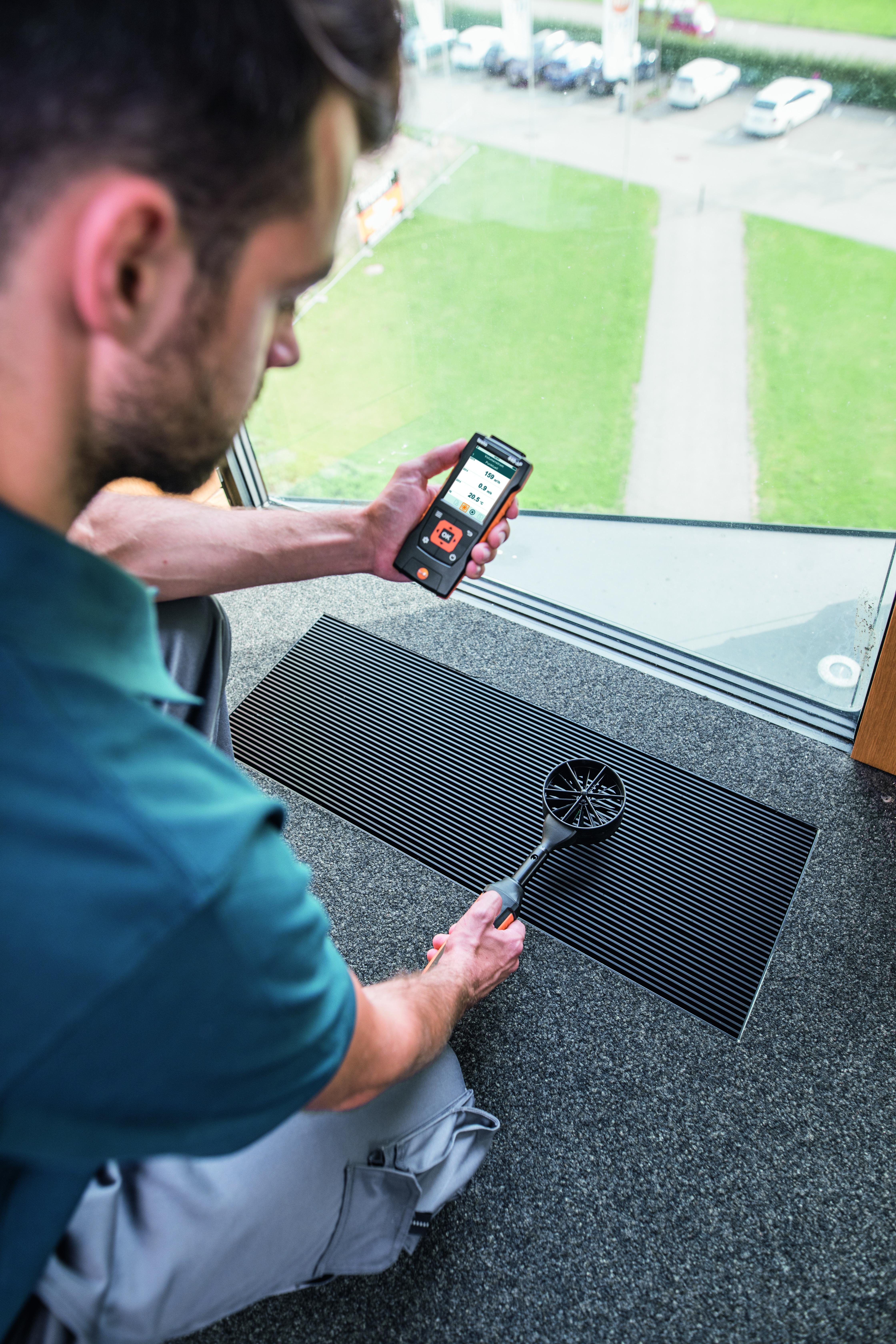 testo-440-0635-9431-Vane-probe-100-mm-with-Bluetooth-incl-temperature-sensor-V5-de